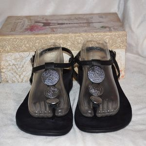 VIONIC T Strap Lizeth Sandals With Silver Coin 11